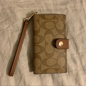 Coach Classic Leather Wristlet (Brown, Gold)
